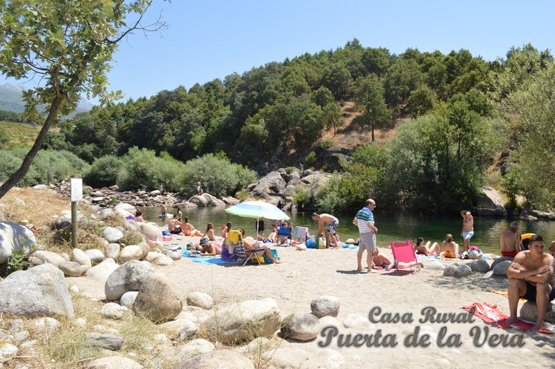 Alardos est entre las piscinas naturales preferidas de for Piscina natural madrigal de la vera