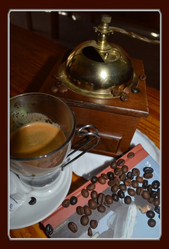 Relaxing cofee with book 005.1 jpg