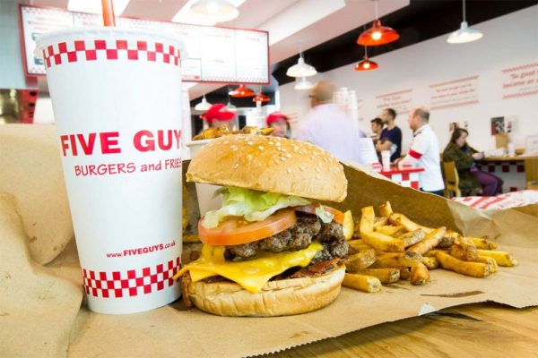 five-guys-la-hamburgueseria-preferida-de-obama-llega-a-espana-1-1024x683
