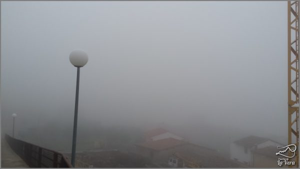 madrigal-de-la-vera-bajo-la-niebla-frog-in-spain66